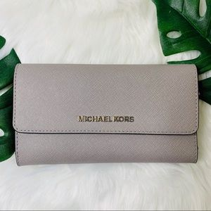 Michael Kors Jet Set Travel Large Trifold Wallet
